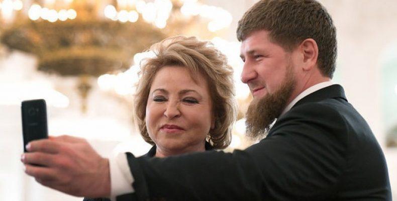 Facebook объяснил блокировку страницы Кадырова санкциями